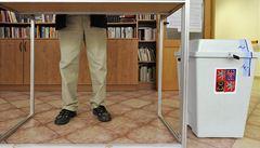 Volební den č. 2. V Plzni chyběl předseda i s klíči, volby se protáhnou