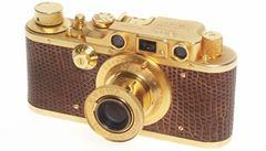 Proslulá značka Leica. V Číně jde do dražby pozlacený fotoaparát