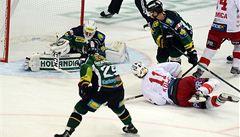 Slavia uspěla v nájezdech, v předehrávce porazila Vary 3:2