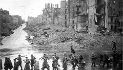 Téměř polovina Rusů schvaluje pakt Molotov-Ribbentrop o neútočení SSSR a Německa