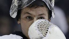 Pavelec vychytal nulu, do branky se poprvé v NHL postavil Mazanec