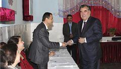Tádžikistán má staronového prezidenta. Vítěze nedemokratických voleb