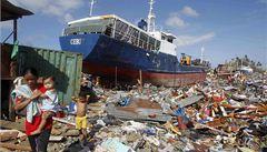 Filipínci po tajfunu rabují. Češi na Filipínách jsou v pořádku