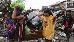 Počet obětí tajfunu Haiyan dále roste. Svět se Filipínám snaží pomoci