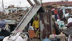 Filipínský prezident snížil odhad obětí tajfunu na 2000 až 2500