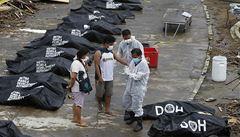 Filipínská vláda: Obětí tajfunu Haiyan přibývá, je jich přes 5000