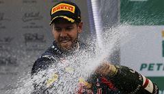 Vettel vyhrál i poslední závod F1. Vyrovnal další rekord Schumachera