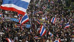 Masové protesty v Bangkoku: desetitisíce Thajců kritizují vládu