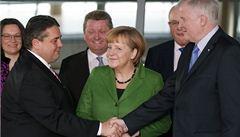 Německá SPD schválila koalici s Merkelovou, vzniku vlády nic nebrání