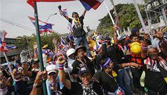 Thajci ukončili protestní shromáždění. Boj proti vládě však nekončí