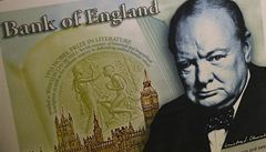 Churchill z plastu. V Británii se bude platit polymerovými librami