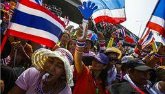 Zatkněte premiérku, zradila vlast, vyzývá thajská opozice policii