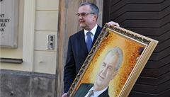 Oslavenec Kalousek dostal dárek od Zemana. Prezidentův portrét