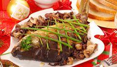 Rychlokurz vánoční etikety. Kdo u svátečního stolu začíná jíst první?