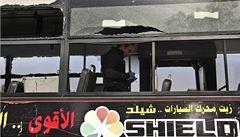 Autobus v Káhiře zasáhla bomba. Pět lidí je zraněno