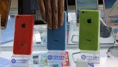 iPhony pro miliardu Číňanů. Apple se dohodl s největším operátorem
