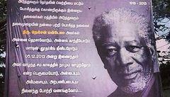 Indické faux-pas: vzpomínkový plakát za Mandelu zdobila fotka Freemana