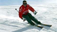 Šampion Schumacher leží po nehodě na lyžích v kritickém stavu v kómatu