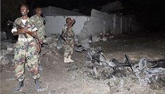 Před hotelem v Mogadišu explodovaly tři bomby. Zemřelo nejméně 11 lidí