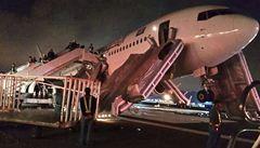 Boeing 767 nouzově přistál v Saúdské Arábii, 29 lidí se zranilo