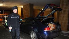 Podívejte se na záznam zběsilé honičky policie s řidičem mazdy