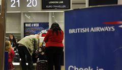 Británie se brání imigrantům. Zruší žádosti o dávky v cizích jazycích