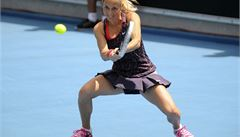 Duel Zakopalové se Španělkou byl odložen, Fed Cup se dohraje v pondělí