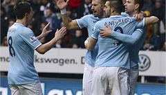Manchester City smetl Tottenham 5:1 a je novým vládcem Anglie