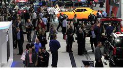 OBRAZEM: Automobilky představují novinky ve městě, které zbankrotovalo
