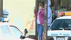 Zloděj držel ženu jako rukojmí. Policie ho zasáhla