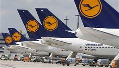Letečtí dispečeři v Německu plánují stávku. Na hodinu