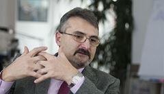 Za co je obviněný bývalý šéf VZP? Poslal půl miliardy na konto IZIP