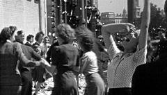 Film režiséra Kena Loache Duch pětačtyřicátého exkluzivně zdarma