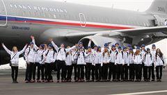 První parta olympioniků odlétla do Soči. Soukalovou vzbudil až přítel