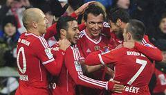 Bayern si poradil s Leverkusenem, Dortmund překvapivě zaváhal