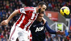 Tápání Manchesteru United pokračuje, poprvé v historii podlehl Stoke