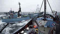 Ekologičtí radikálové se u Antarktidy střetli s japonskými rybáři