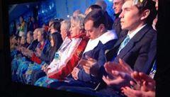 Olympiáda začala velkolepě, premiér Medveděv ale usnul