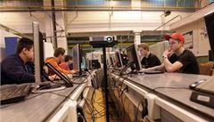 Firmy chtějí hlavně 'technické středoškoláky'