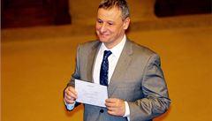 Ministr, který neprojde volbami, by měl rezignovat, tvrdí Komárek