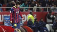 Fotbalisté Barcelony vyhráli v Seville. Znovu vedou ligu