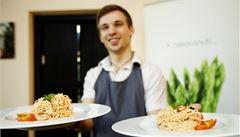 Jak si žijí pražští vegetariáni? Mají unikátní restaurace i festivalové menu