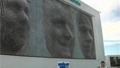 Další lákadlo v Soči. Trojrozměrný portrét na obřím billboardu