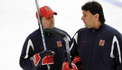 Střídačky velmocí řídí tým odborníků. Může tak fungovat i český hokej?