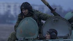 Na Krym se přesouvají další ruští vojáci. Neprovokujte, vyzývá Kyjev Moskvu