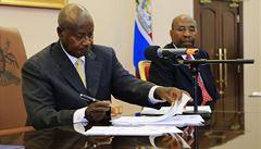 'Bojíme se vycházet.' Uganda přijala drakonický zákon proti gayům