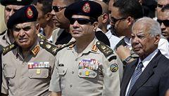 Egypt posílá na smrt 26 lidí. Odsoudil je za terorismus u Suezu