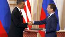 US President Barack Obama and Russian President Dmitry Medvedev signed the New START treaty in Prague