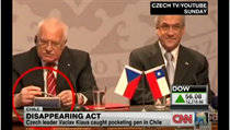 'Commander in Thief'? Czech President Václav Klaus, moments before pocketing the now famous pen in Chile