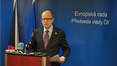 Opatrní čeští politici. Tvrdý postoj vůči Rusku zaujal jen málokdo